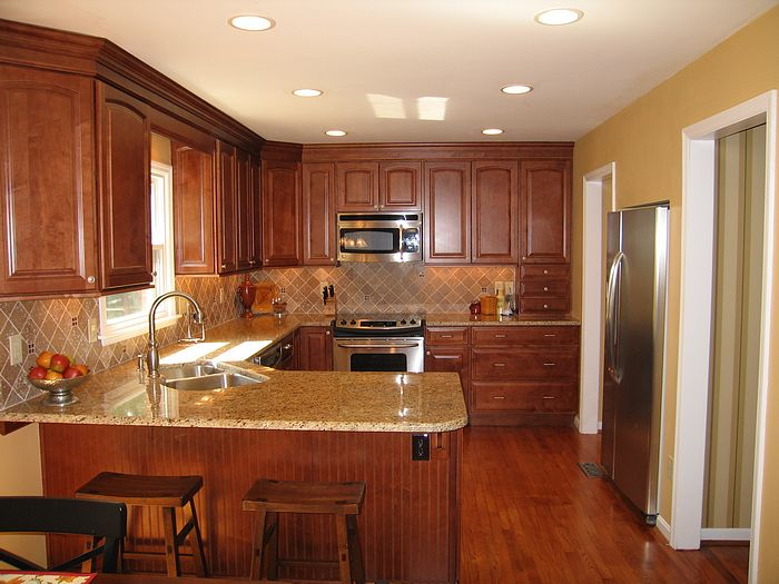 Kitchens pictures of remodeled kitchens for Kitchen remodels on a budget photos